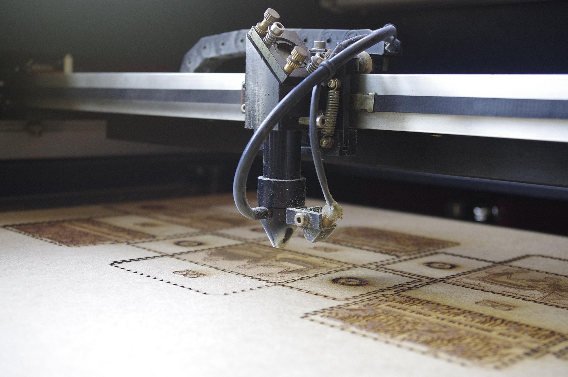 Boîte à CNC miniature d coupeuse laser.jpg