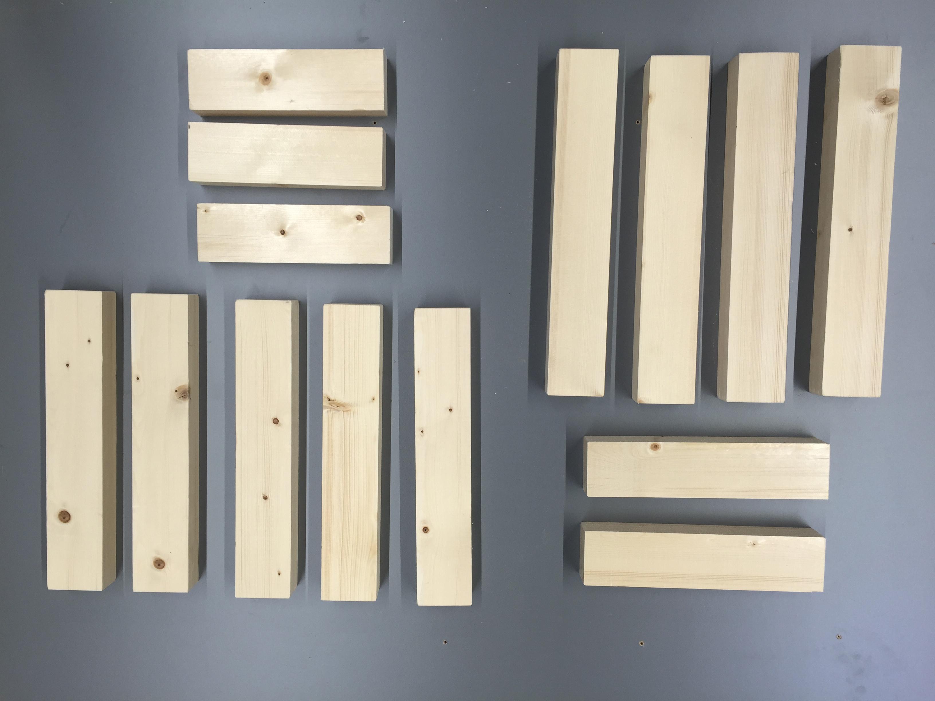 Tabouret en bois massif bois.jpg