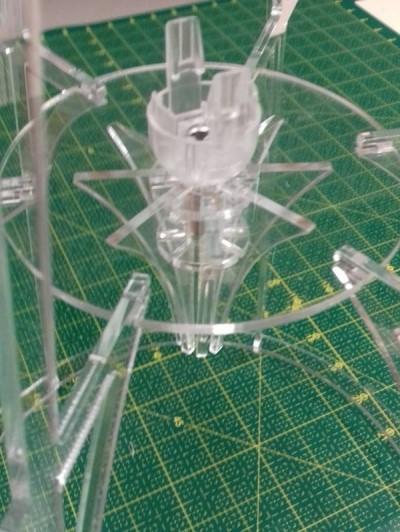 Lampe méduse 400px-Lampe m duse mise en place du coneMY.JPG