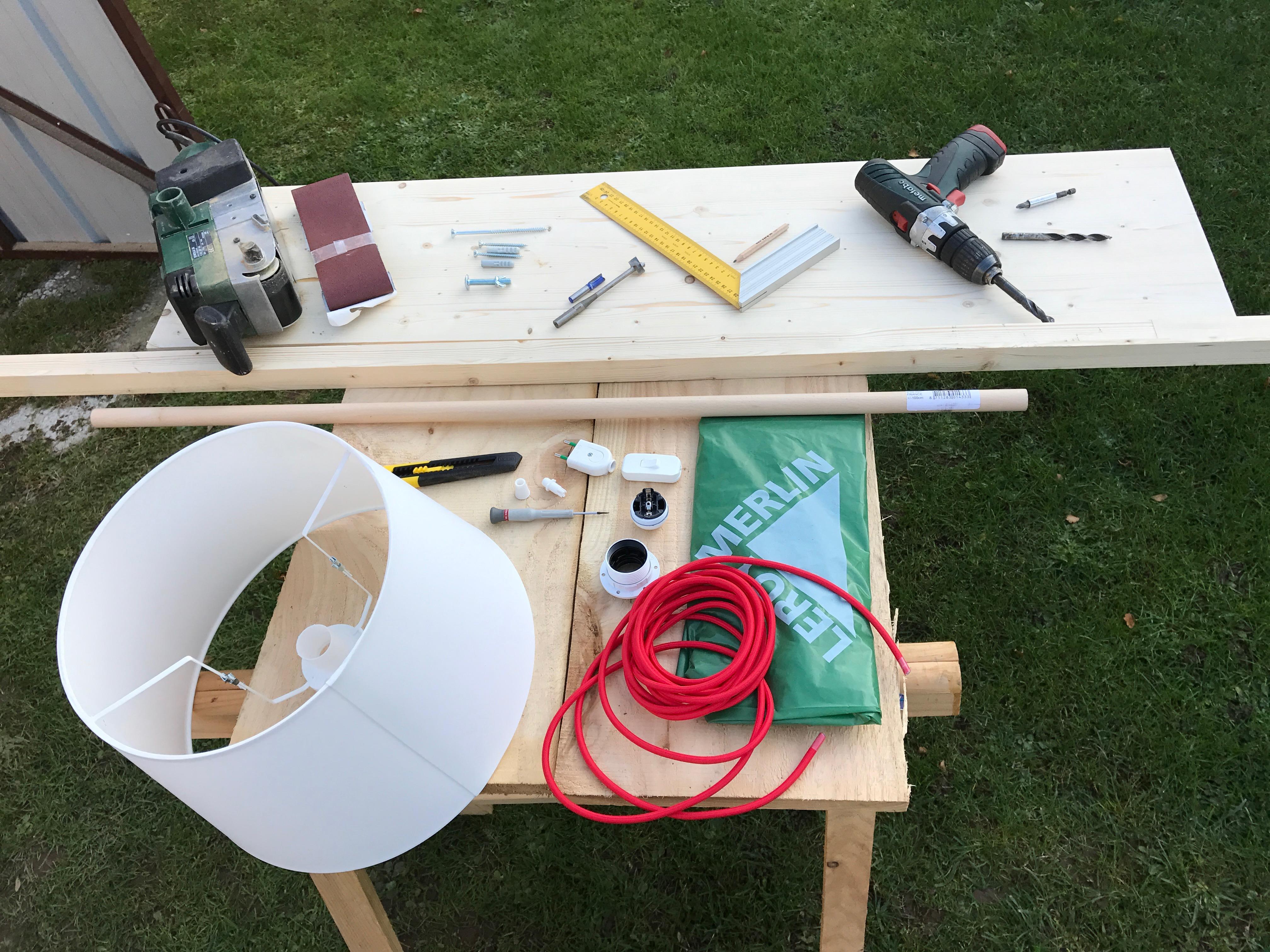 Lampe articul e en bois avec tablette et pat re IMG 4624.jpg
