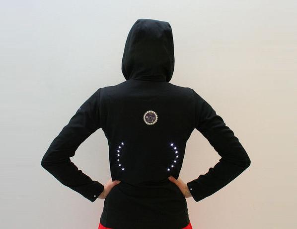 Turn signal biking jacket Step 07f.jpg